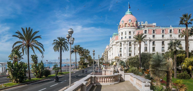 Luxury Chauffeur-driven car in Nice